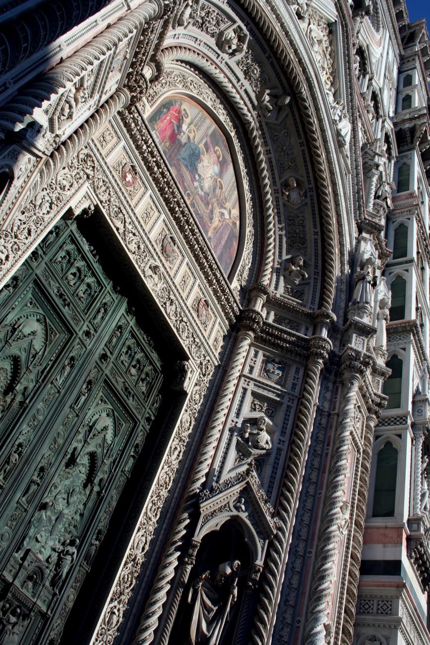 A door in Florence