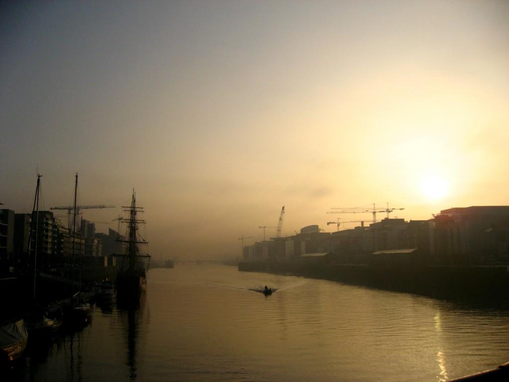 Liffey foggy boat