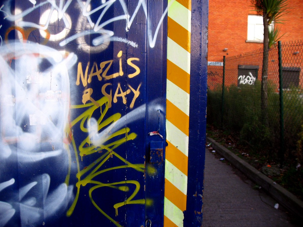 Nazis r gay graffiti