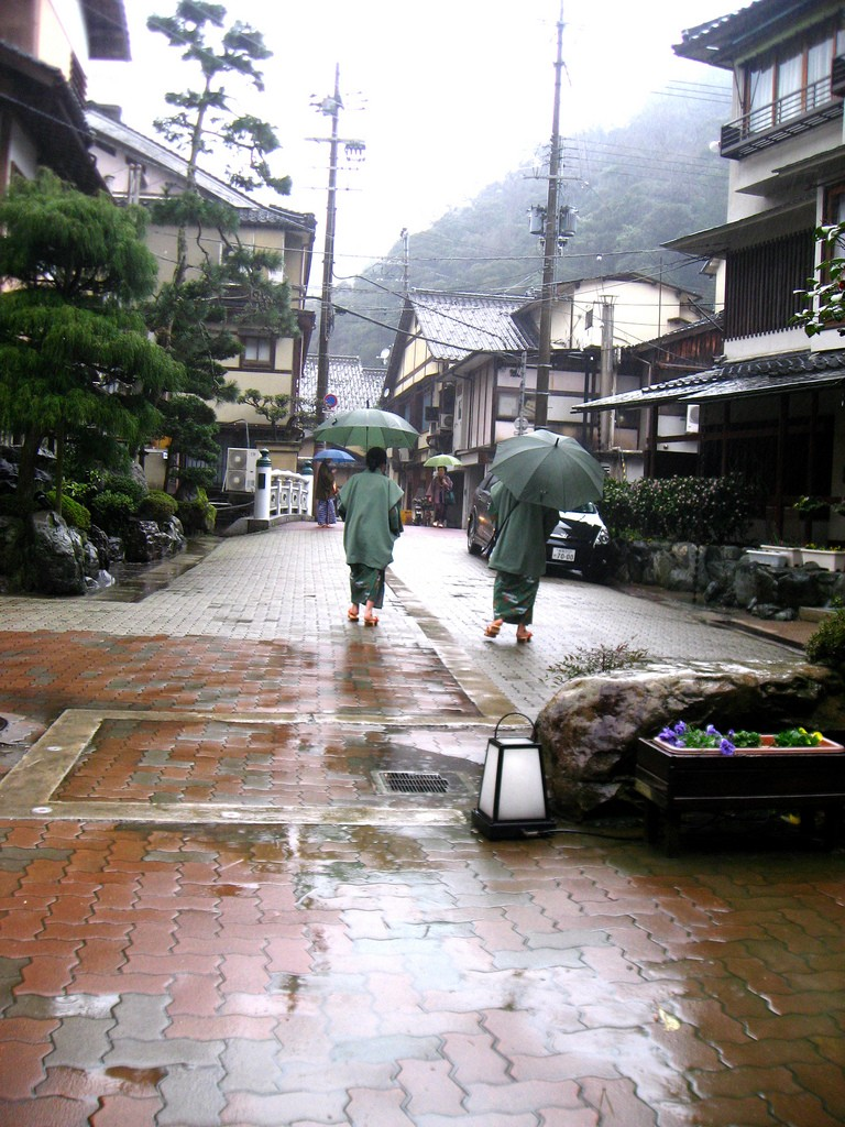 Kinosaki-onsen walkers