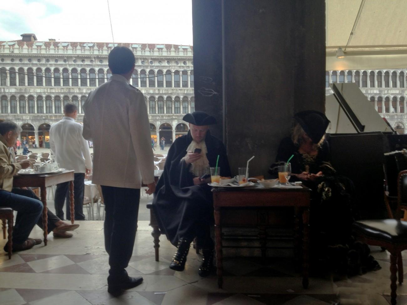 Between songs, Venice