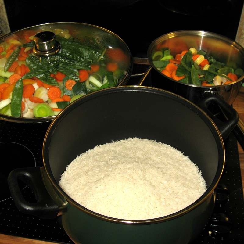 Dinner pots