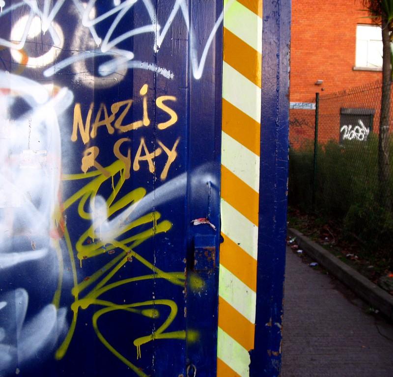 Nazis r gay graffiti