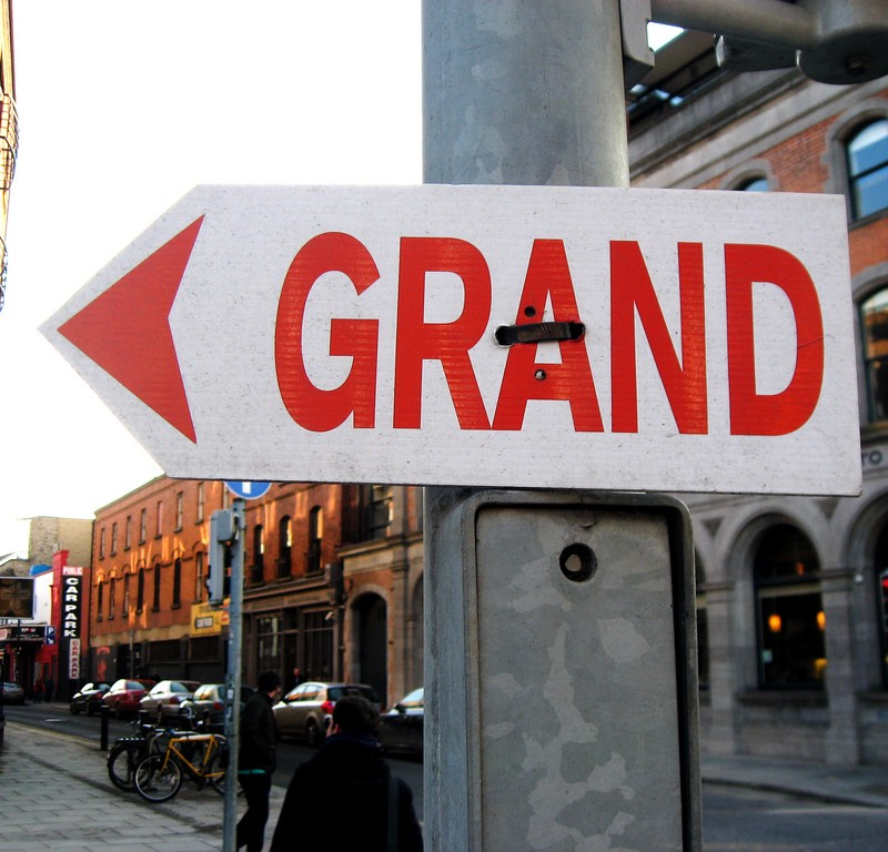 Grand sign
